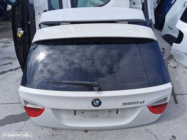 Tampa da Mala BMW 320 E91