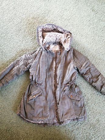 Куртка демисезонная на девочку 6,7 лет