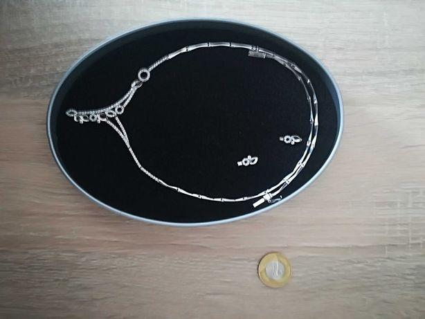 Sprzedam piękny srebrny naszyjnik z kolczykami