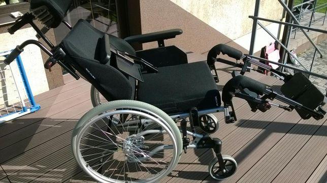 Specjalistyczny wózek inwalidzki