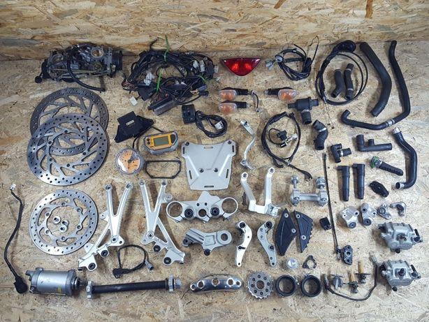 Komplet KTM Adventure 950 czescii 05-06r