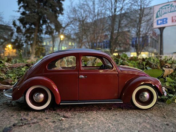 volkswagen beetle модэль 1:18 италия