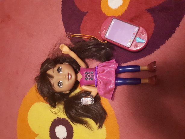 Lalka Dora z telefonem