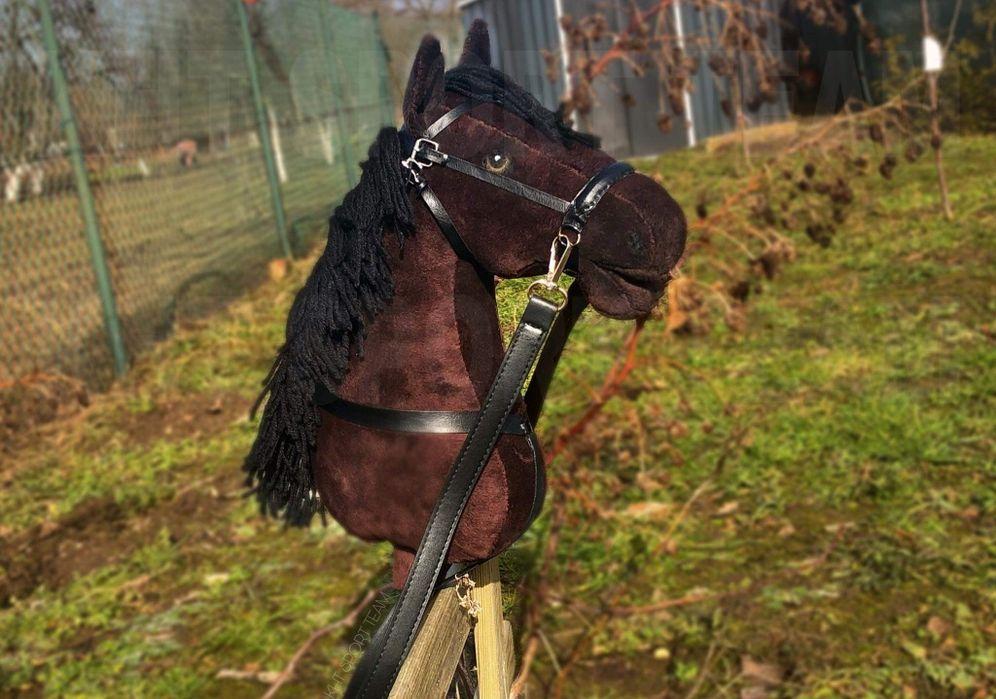 HOBBY HORSE ze SPRZĘTEM zestaw gniady ogłowie | KHT SPORT TEAM Małkocin - image 1
