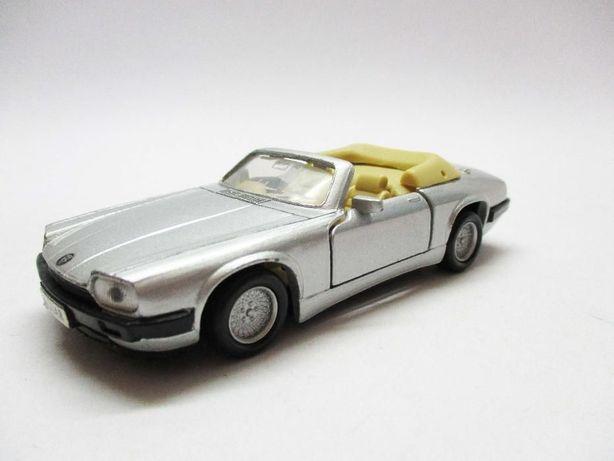 Carros miniaturas de colecção