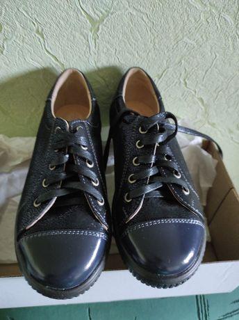 черевики шкіряні