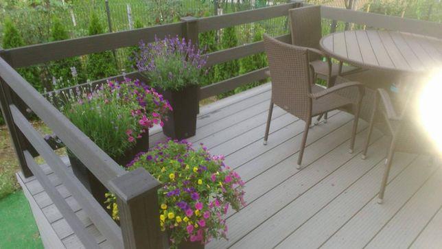 Taras, balkon, ogrodzenie, balustrady. Deska kompozytowa