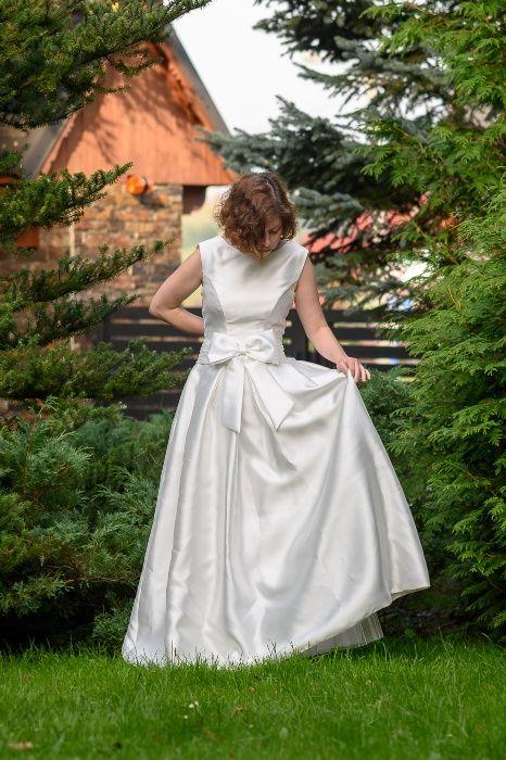 Piękna suknia ślubna, bez koła, z kieszeniami i kokardą:) Zakopane - image 1