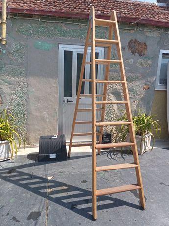 Escada de abrir ao meio