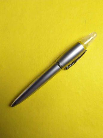 Caneta com marcador incorporado