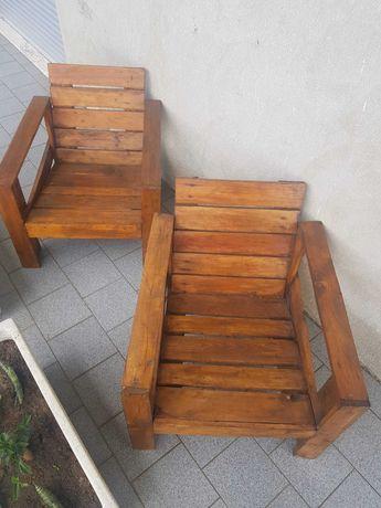 Cadeiras e mesas de jardim (Paletes)