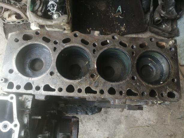 Двигатель Iveco 2.8