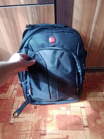 Firmowy plecak Soar Pop na laptopa i inne dużo kieszonek pojemny