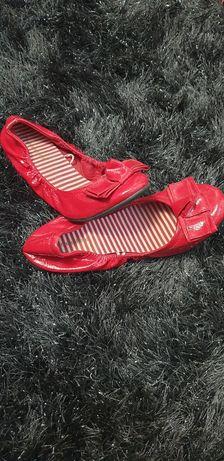 Balerinki z lakierki czerwone