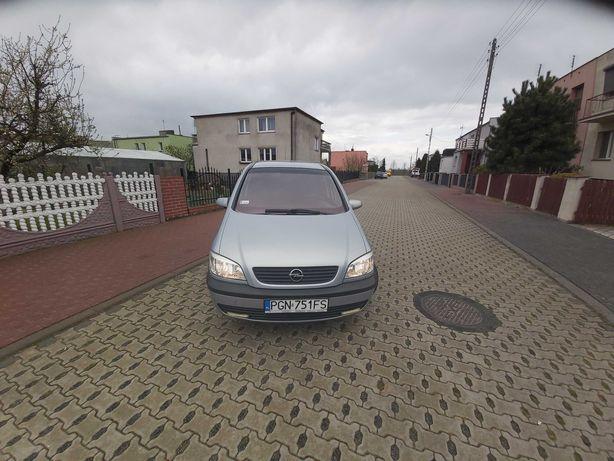 Opel zafira a 2002rok