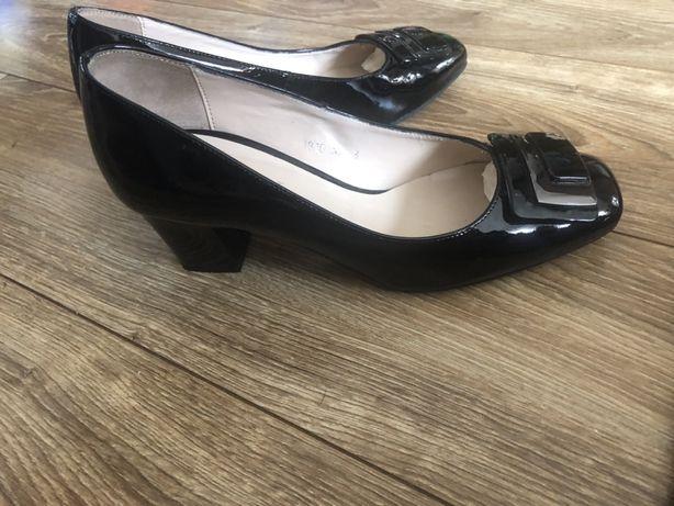 Eleganckie, skorzane buty na obcasie Sagan czolenka polbuty 38