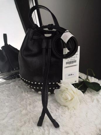 Czarna torebka ZARA ze srebrnymi ćwiekami torba worek klasyczna basic