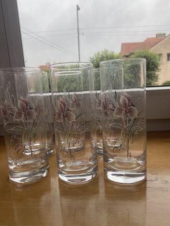 Pieknie zdobione szklanki komplet  6 sztuk stan idealny