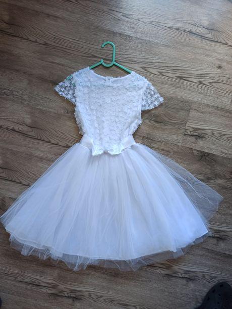 Piękna biała sukienka r. 140-146 np. po komunii, lub dla druchny