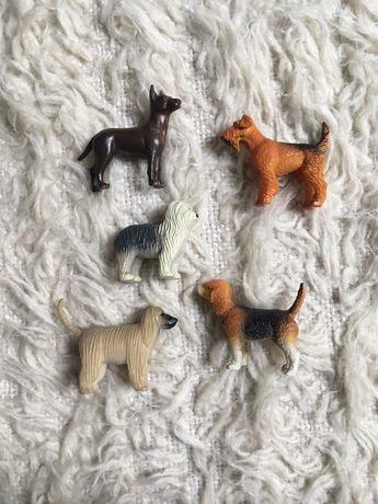 Figurki psy beagle terrier