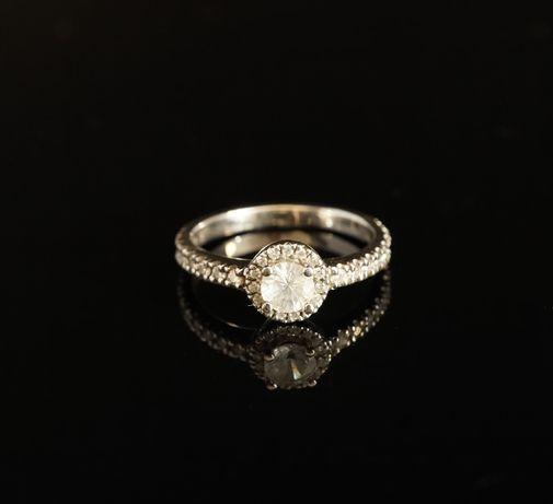 Pierścionek zaręczynowy This is Love Biały szafir i diamenty. Rozm. 10