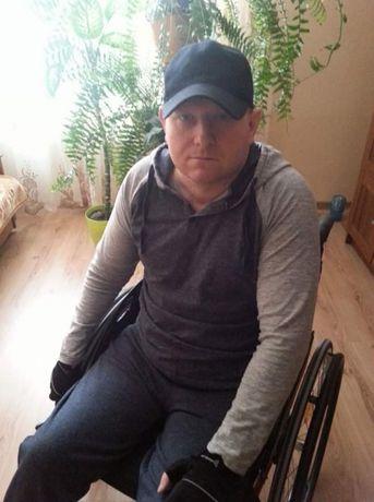Niepełnosprawny Grzegorz zbiera środki finansowe na upragniony turnus
