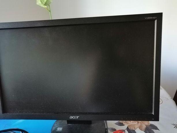 Monitor LCD  18 cali