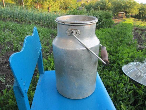 Алюминиевый бидон емкостью 4 литра