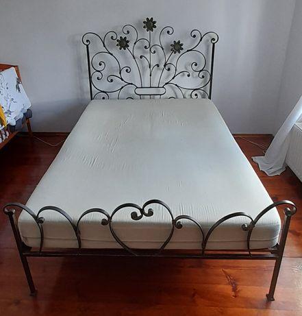 Solidne łóżko metalowe 140x200