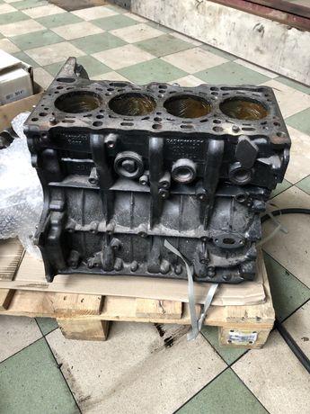 Блок om651,двигун мерседес.шатуни.