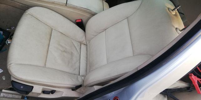Wnętrze skóra bananowa BMW E61 podgrzewane