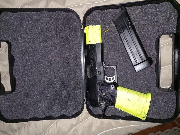 Pistola airsoft...