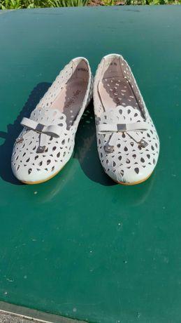 Балетки туфли кожаные белые с перфорацией женские