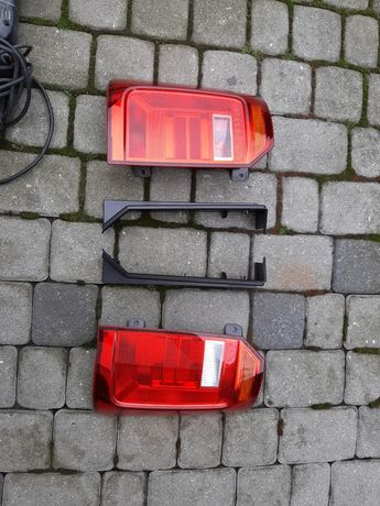 Lampy vw  caddy 2k5 oryginalne