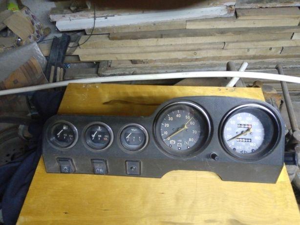 Панель приборов ВАЗ 2106
