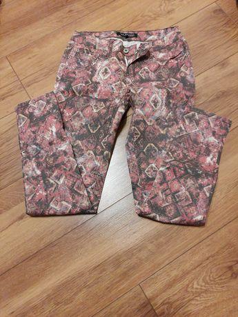 Spodnie we wzorki Top Secret