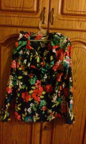 Sliczna koszula w kwiaty z falbankami