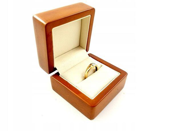 Złoty Pierścionek z cyrkoniami PR. 585 W: 2,31g