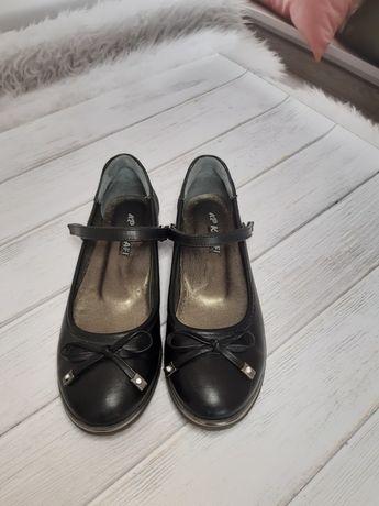 Туфли  кожаные  р 34 б/у