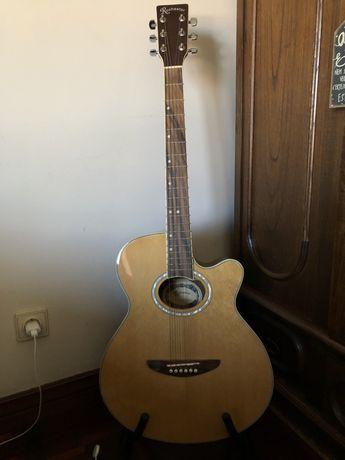 Guitarra de cordas de aço como nova