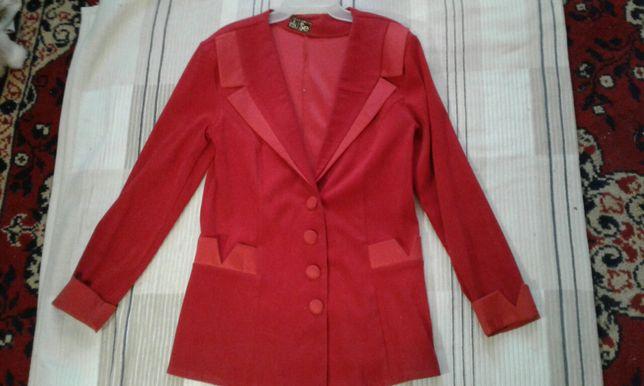 Костюм, пиджак, юбка р.44