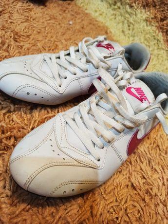 Кроссовки Nike 37 оригинал