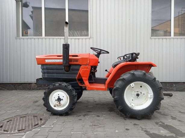 Ciągnik traktorek KUBOTA B1400DT