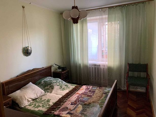 Продаж 4 кімнатної квартири в Шевченківському районі