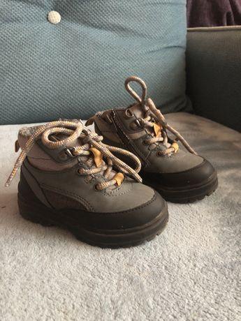 Продам детские ботинки Zara