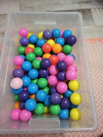 Piłeczki kolorowe kulki do basenu