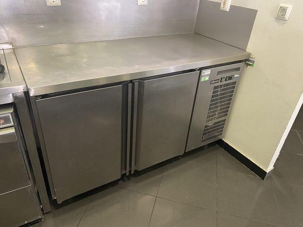 Balcão frigorifico em inox.