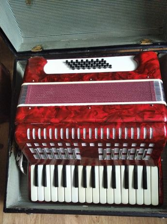 Akodeon 32basy z poszerzoną klawiaturą