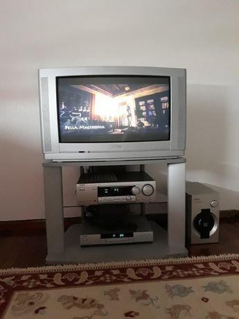 Vendo tv 70cms a funcionar bem, móvel incluído