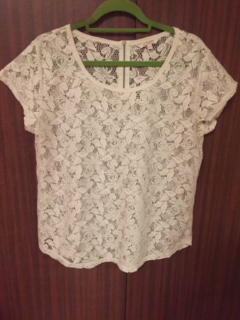Koronkowa bluzeczka